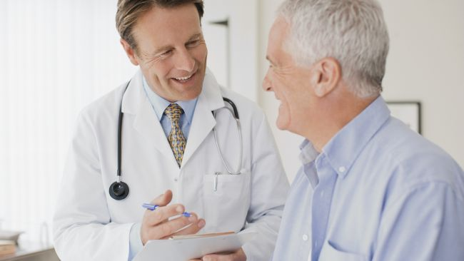 doctor-patient-smiling_650x366